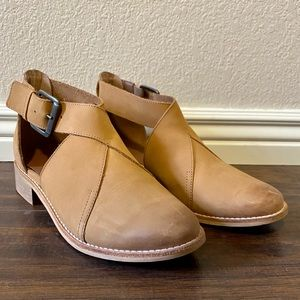 Crevo Leather Ankle Boot
